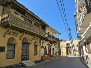 800px-Mombasa_old_town_view